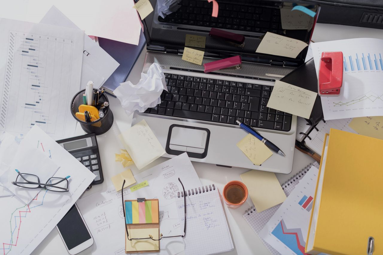 Chaos auf dem Schreibtisch
