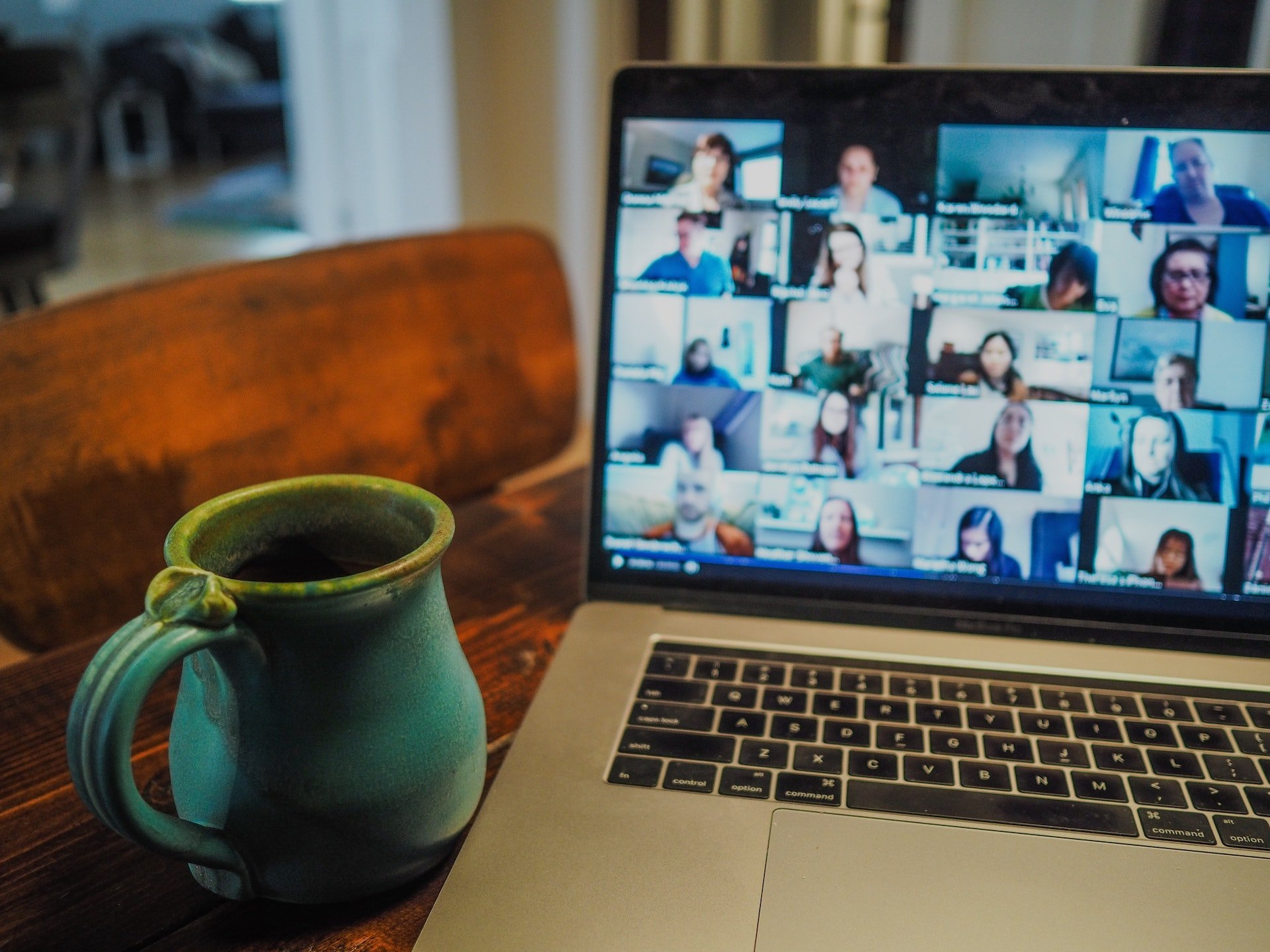 Video-Chats mit dem Team aus dem Home Office